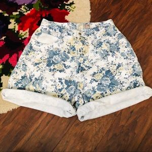 Vintage Stefano Blue/Yellow Floral Mom Shorts